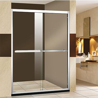 淋浴房也很时尚,尤其是房屋和公寓中缺少空间